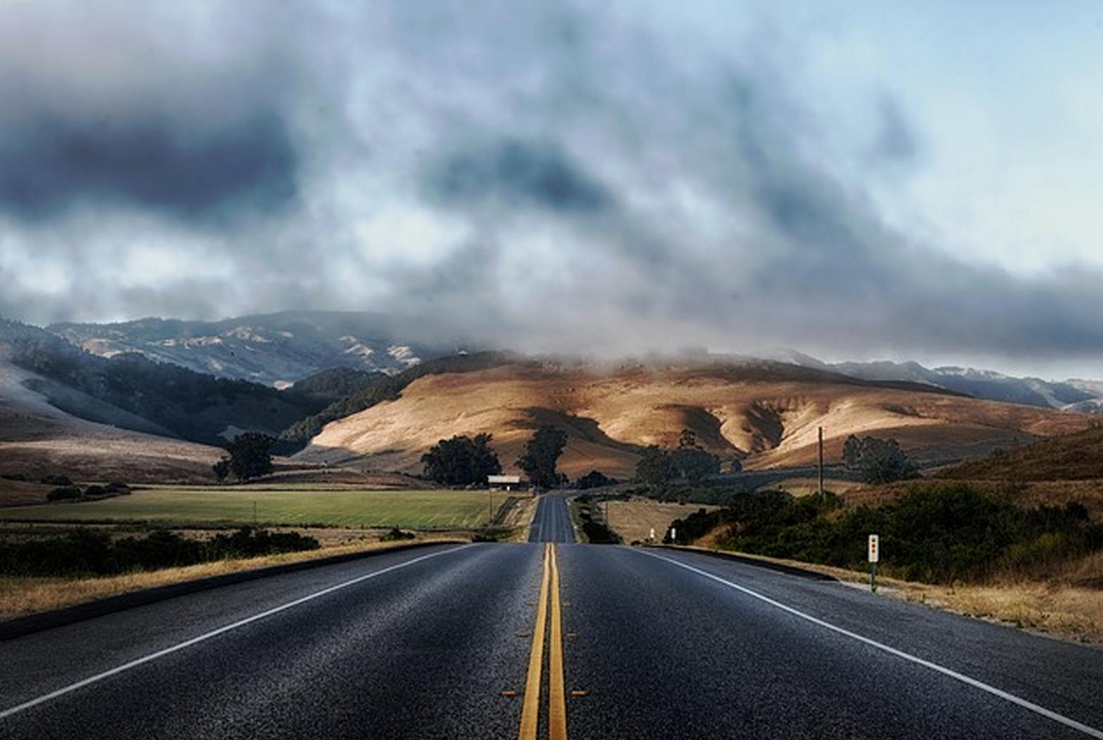 imagem de estrada ilustrando engenharia de transportes