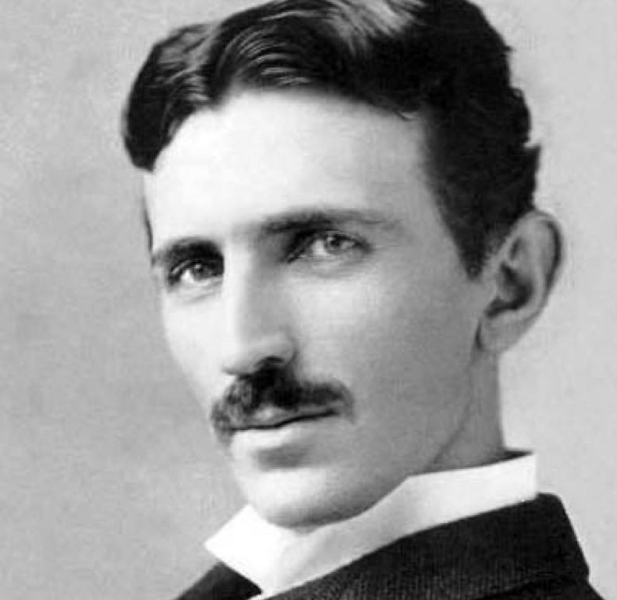 Fotografia em preto e branco de Nikola Tesla