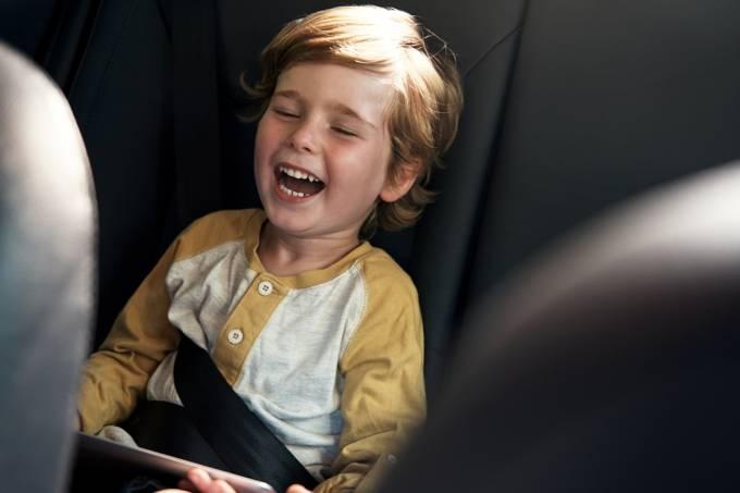 Aplicativo permite que pais monitorem ao vivo as corridas de táxi de seus filhos