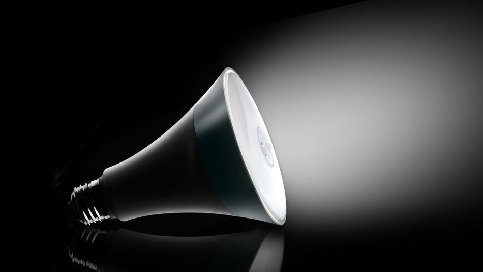 Lâmpada inteligente reproduz a sensação de luz natural (e promete melhorar a sua qualidade de vida)