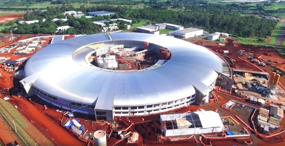 Brasil inaugura acelerador de partículas Sirius, que promete impulsionar a ciência no país