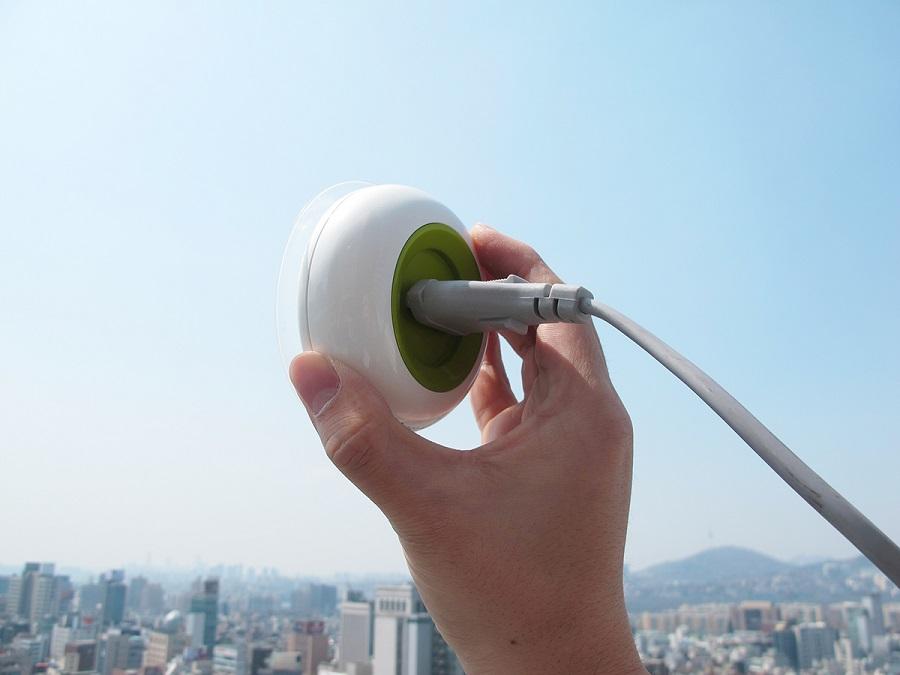 Tomada portátil é alimentada por energia solar