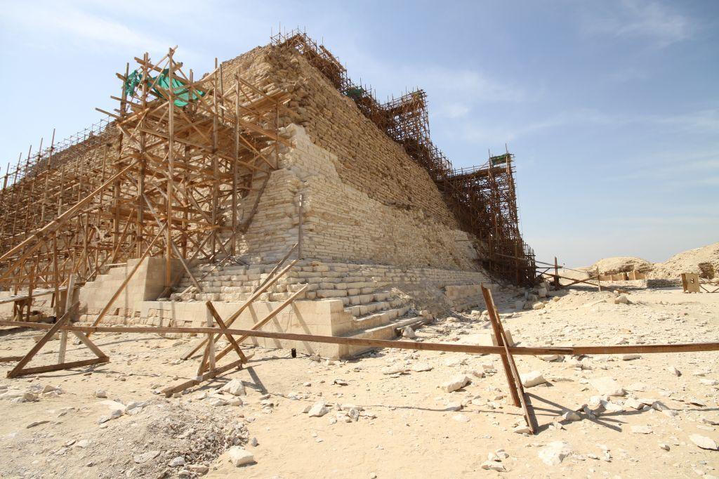 Como foram construídas as pirâmides do Egito?