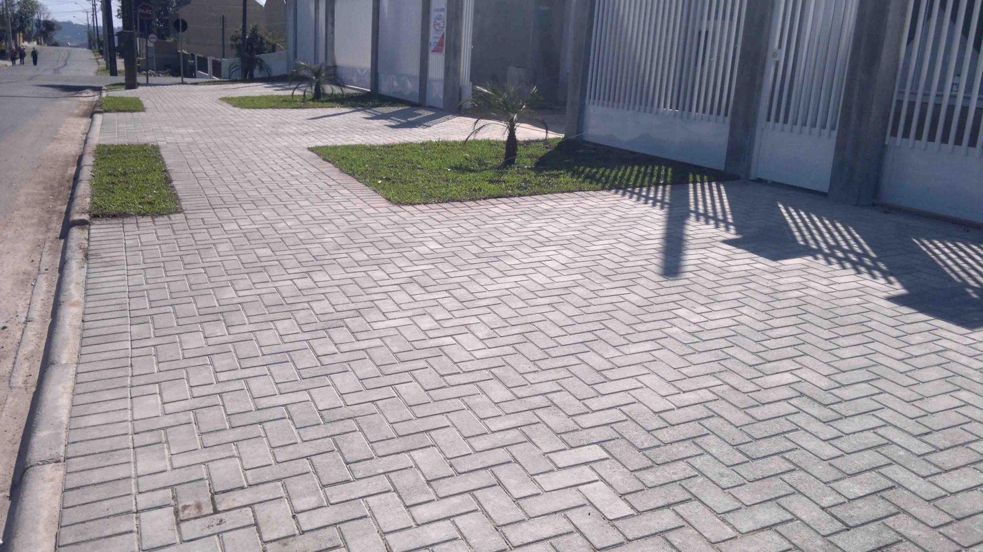 Conheça as vantagens do pavimento intertravado para a padronização das calçadas
