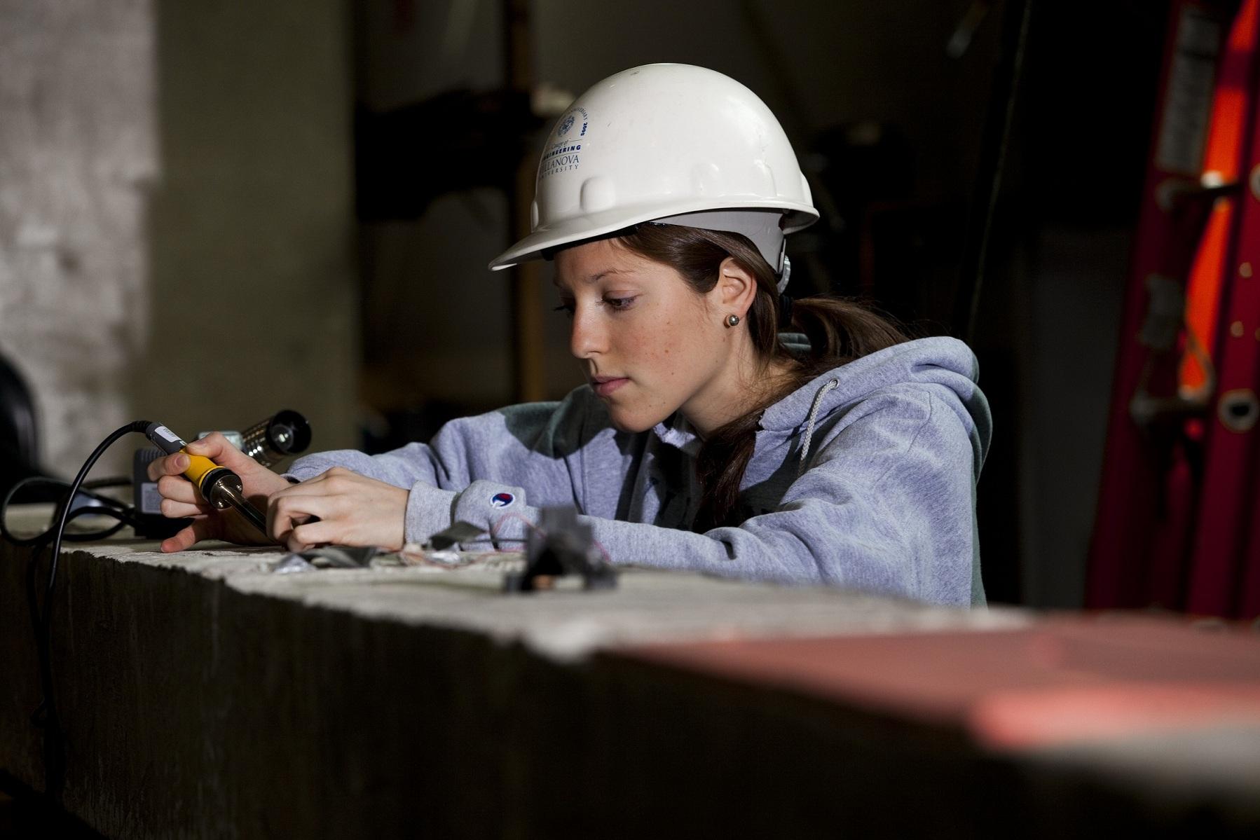 o que leva uma mulher a desistir da carreira na engenharia