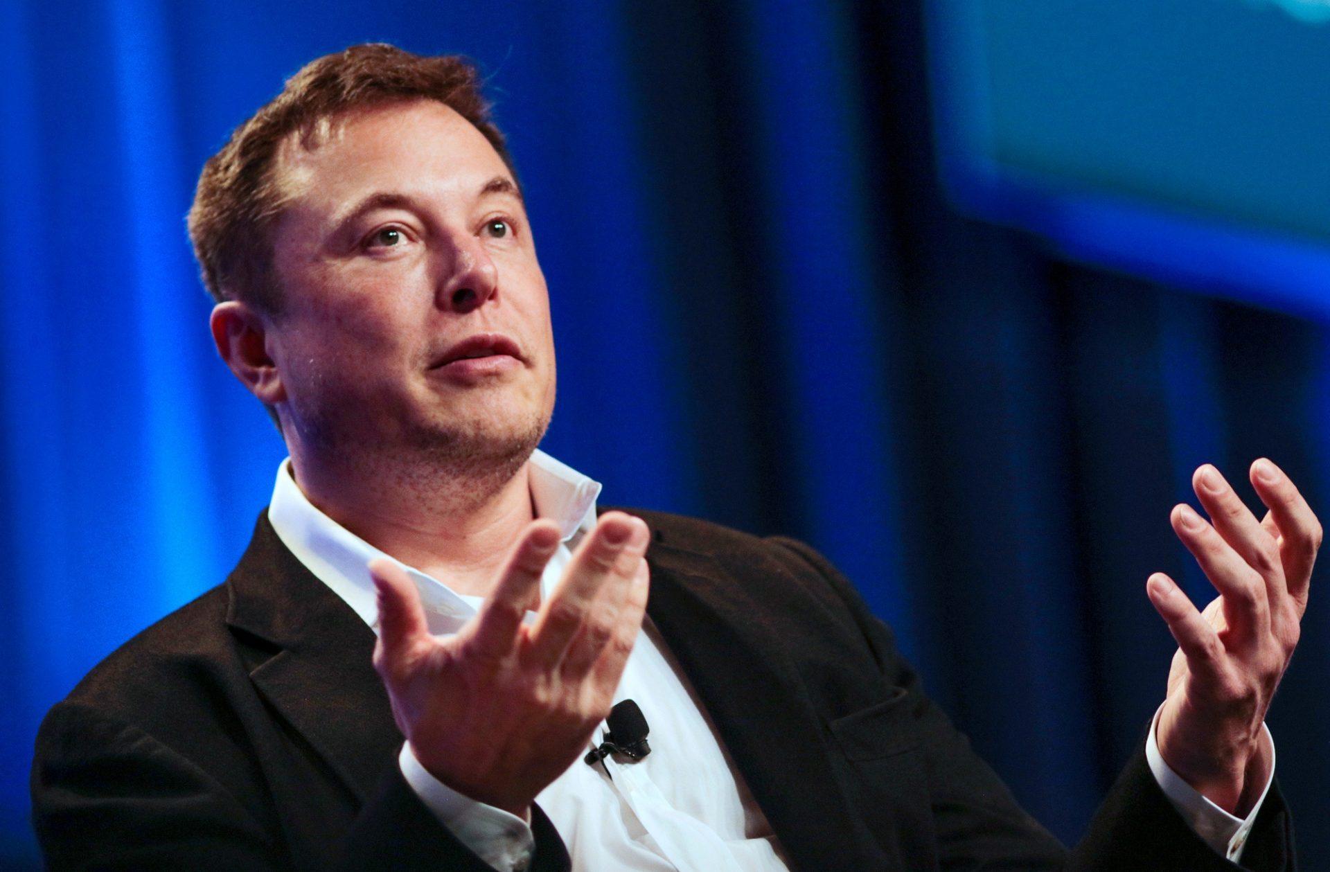 CEO da Tesla acredita que a população mundial vai colapsar em 2050