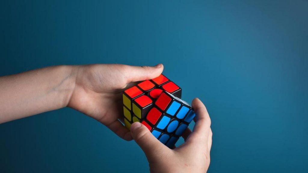 cubo mágico algoritmo