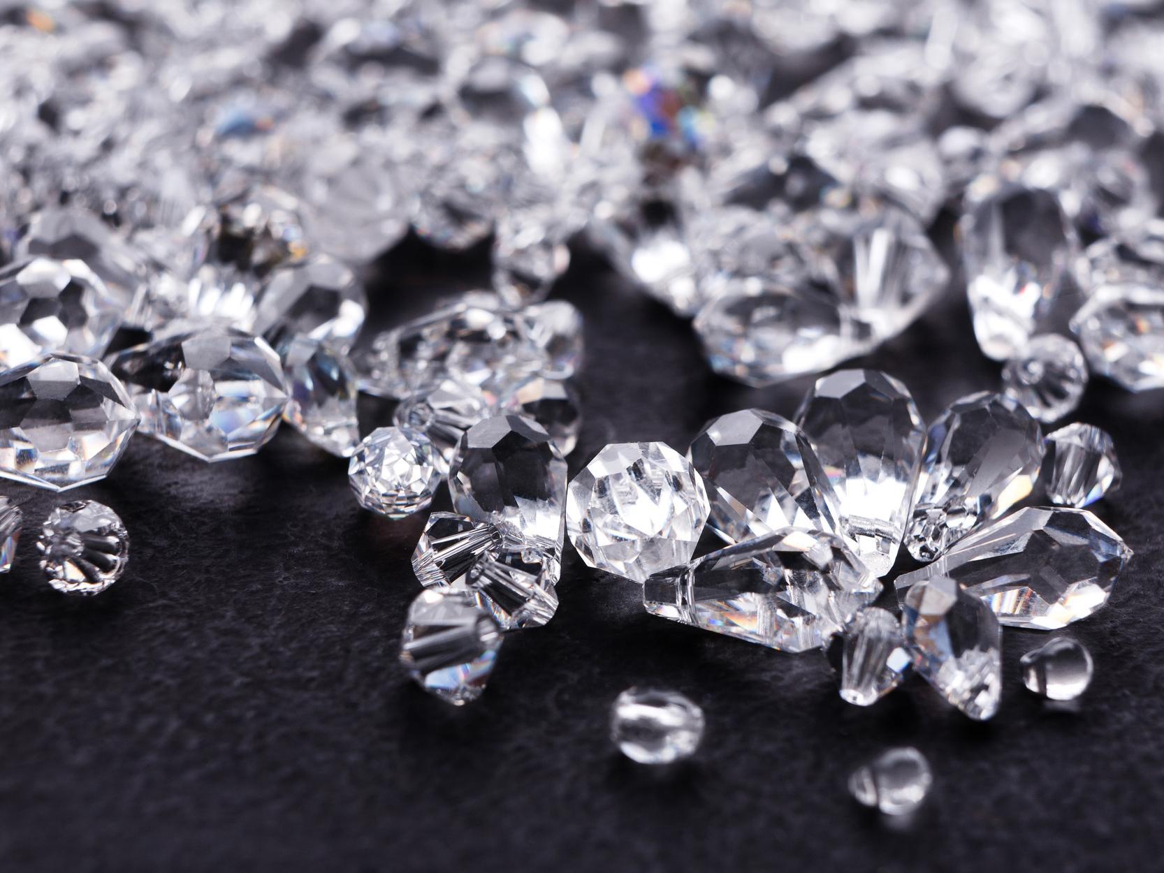 Pesquisadores estudam novas formas de carbono tão resistentes quanto diamante
