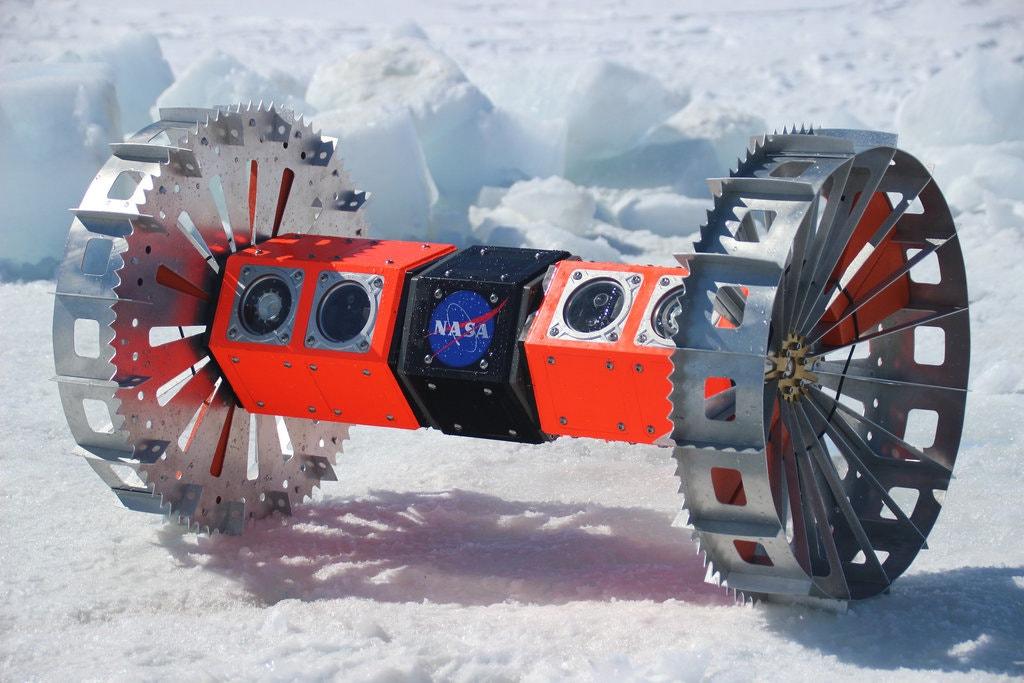 Bruie: NASA completa testes de campo com robô que irá explorar Europa, uma lua de Júpiter
