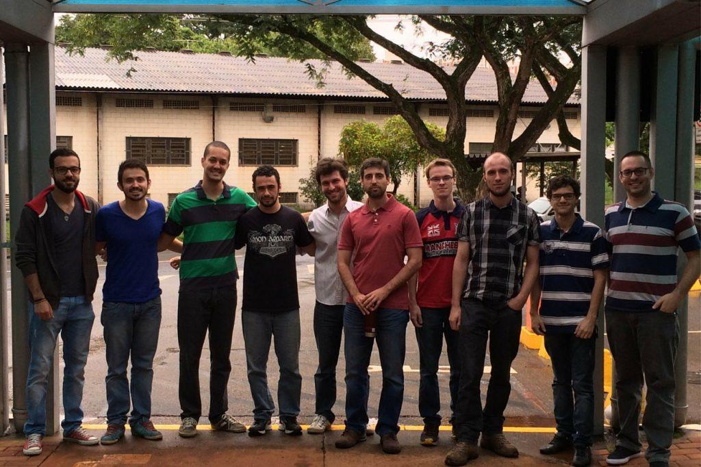 Grupo de pesquisa do Laboratório de Ciências Aeronáuticas da Faculdade de Engenharia Mecânica da Unicamp, onde estudam, por meio de simulação numérica, efeitos da turbulência em asas de aeronaves, dentre outros. Engenharia 360.
