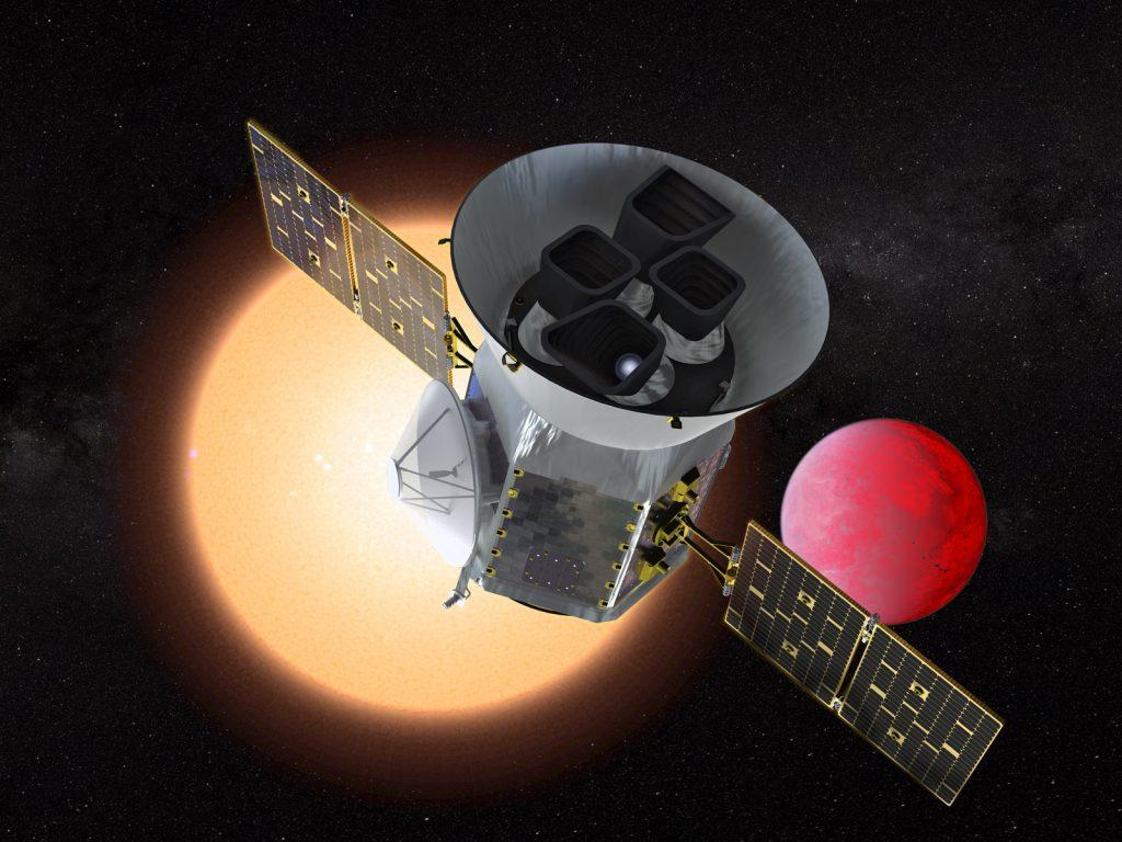 Ilustração do satélite de pesquisa de exoplanetas em trânsito da NASA - TESS - na frente de um planeta de lava que orbita sua estrela hospedeira.