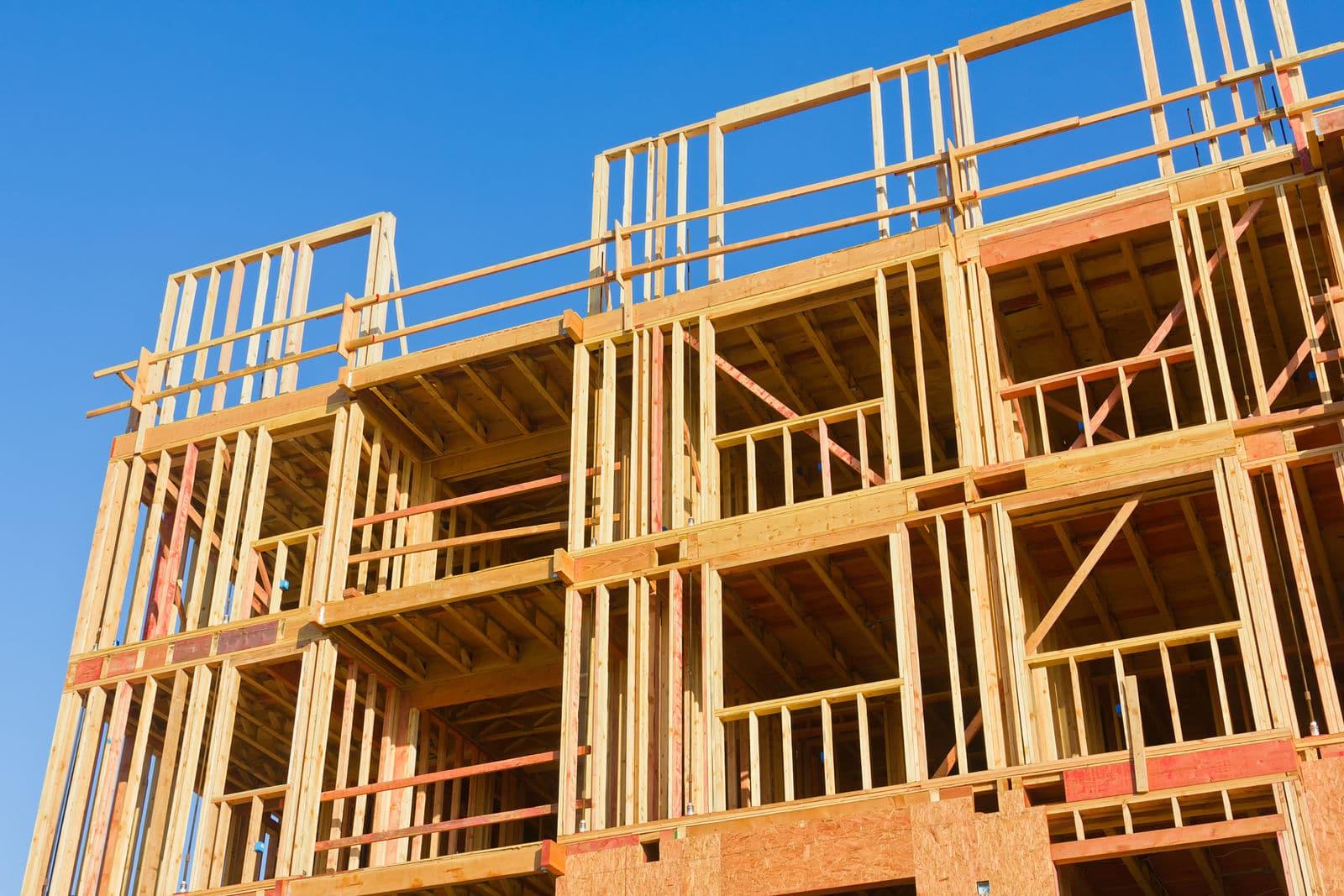 edificações de madeira