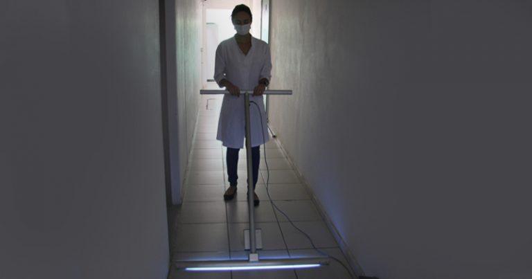 Rodo UV desinfetante projetado por pesquisadores da USP. Imagem: IFSC USP.
