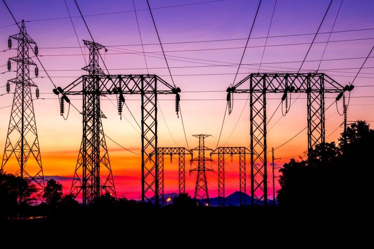 torres transmissão energia elétrica
