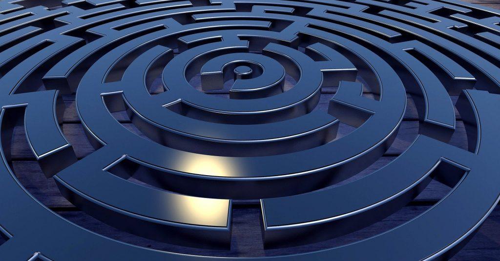 imagem de um labirinto contrário de objetividade na comunicação