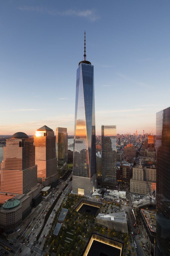 Vista da cidade de Nova Iorque com o edifício One World Trade Center.