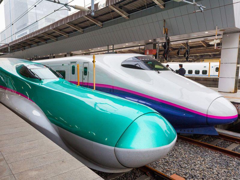 Dois modelos de Shinkansen