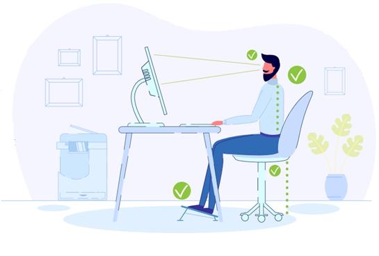 homem sentado numa cadeira com a postura adequada em frente ao computador que está numa altura adequada no home office