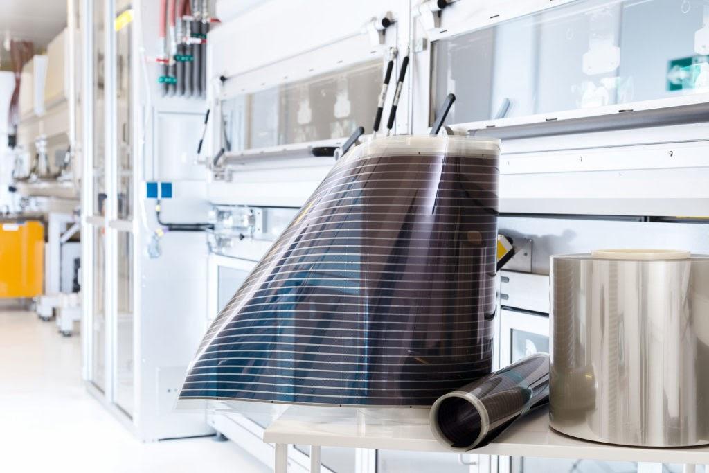 Filmes fotovoltaicos OPV num laboratório onde foi desenvolvido
