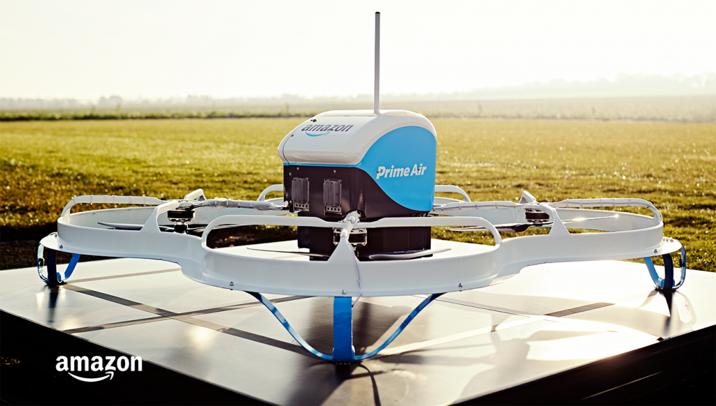 drone azul e branco da Amazon Prime Air