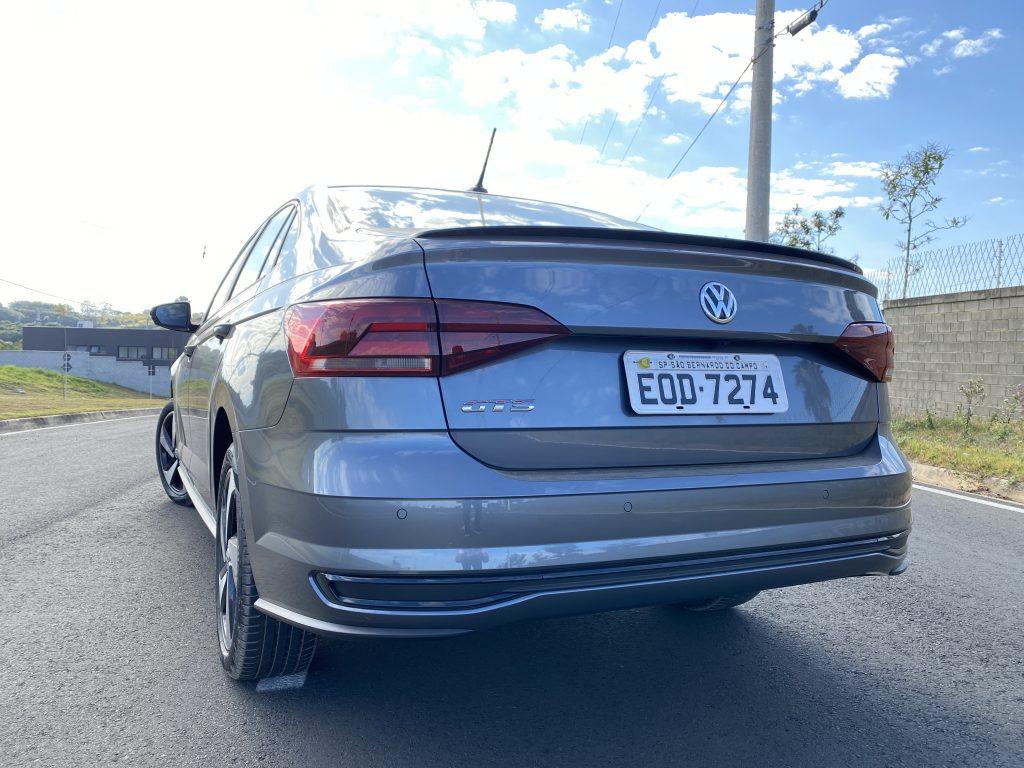 imagem de traseira do dianteira do Virtus GTS
