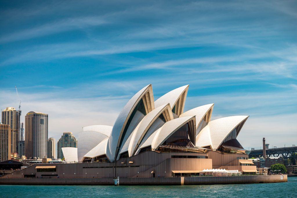 Imagem do exterior do edificios Sydney Opera House