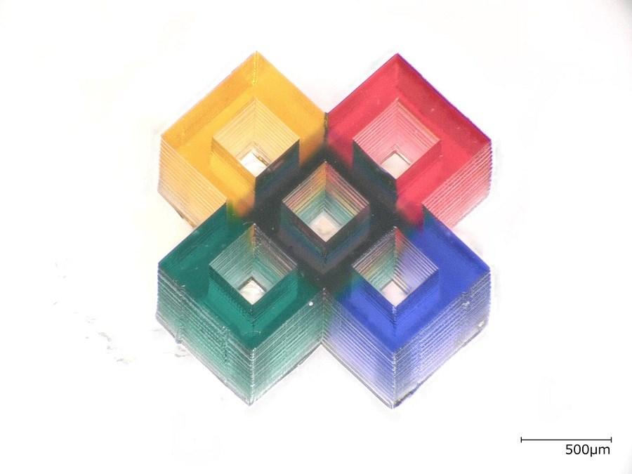 microestruturas multicoloridas impressas em 3D