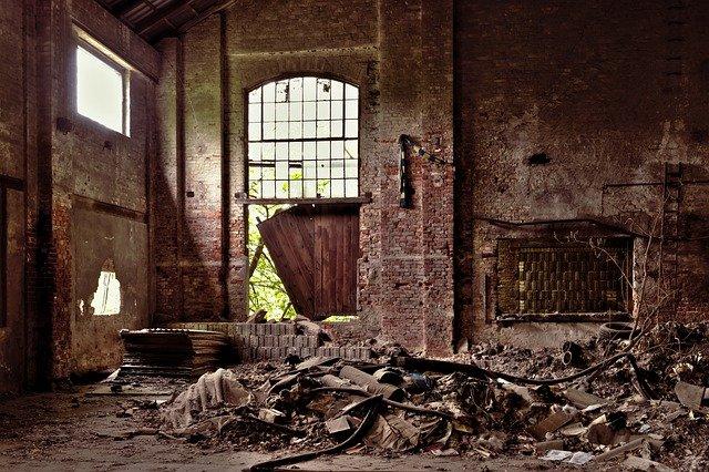 Edifício abandonado em reforma