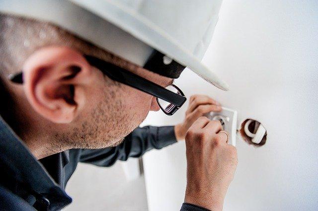 Engenharia elétrica em edifício construção