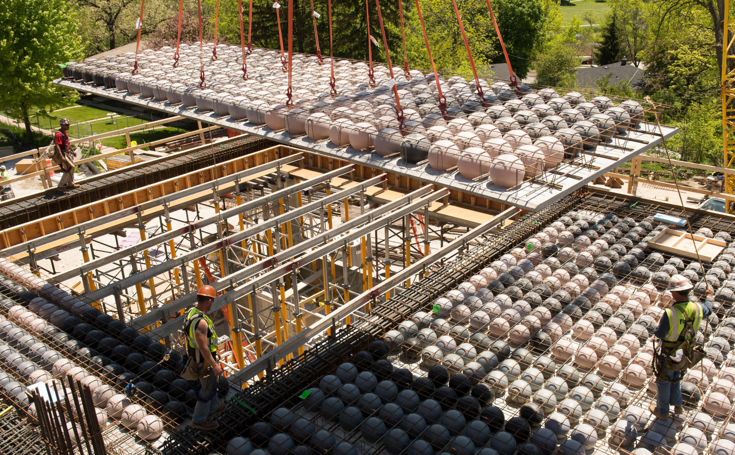 imagem ilustrativa de bubbledeck sistema de lajes aliviadas de concreto