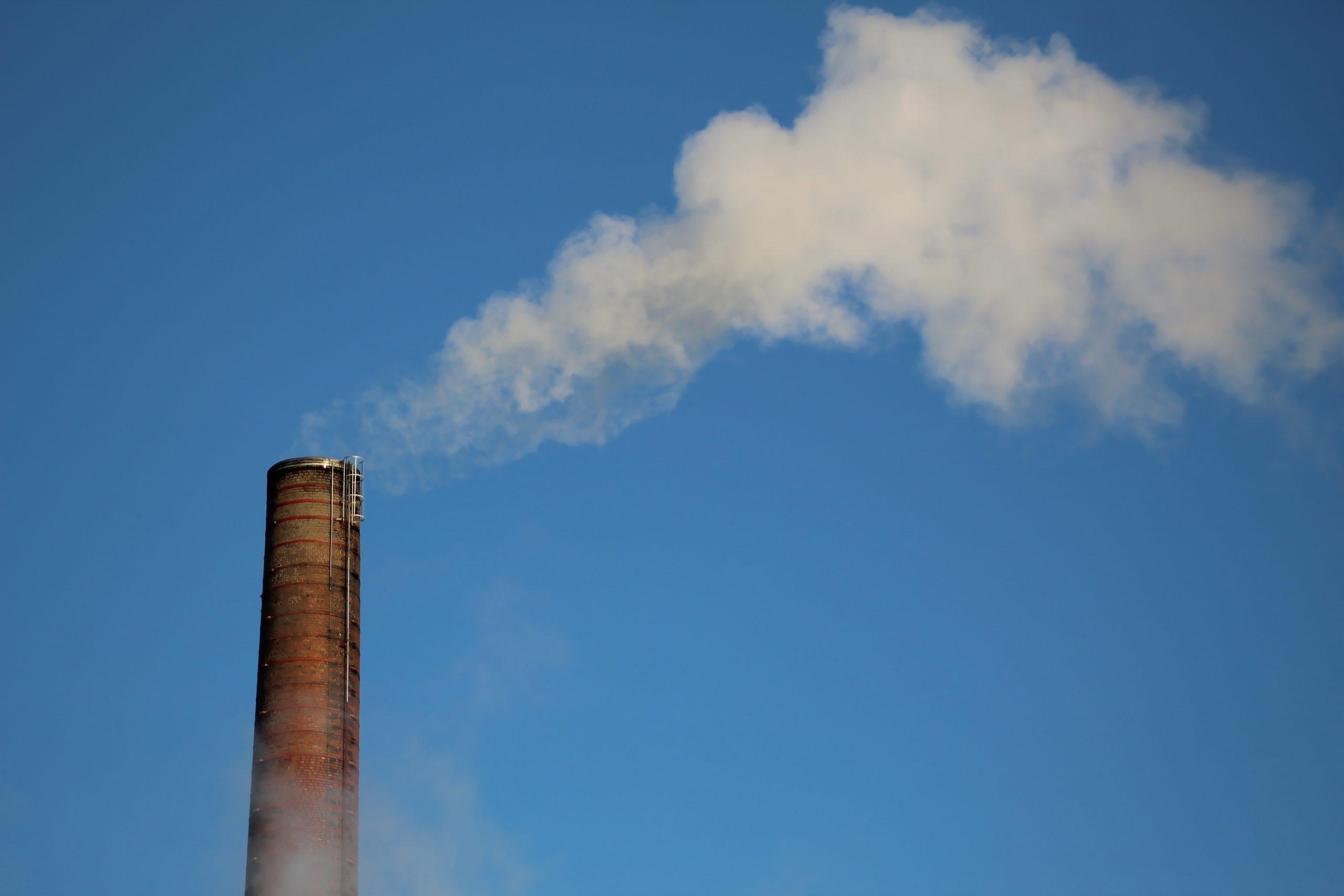 Níveis de gases de efeito estufa continuam a subir, apesar da pandemia