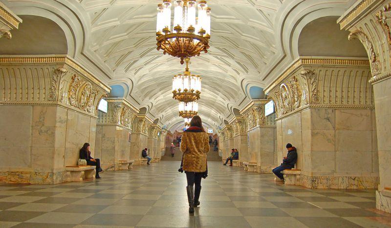Luxo e funcionalidade são destaque em estações de metrô na Rússia