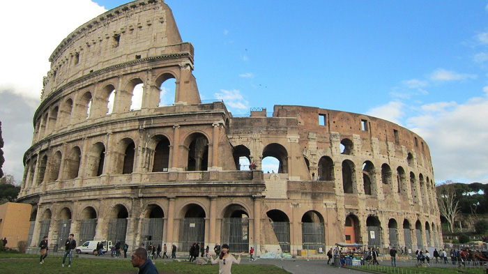 Arquitetura Românica: Anfiteatro Flaviano, Roma