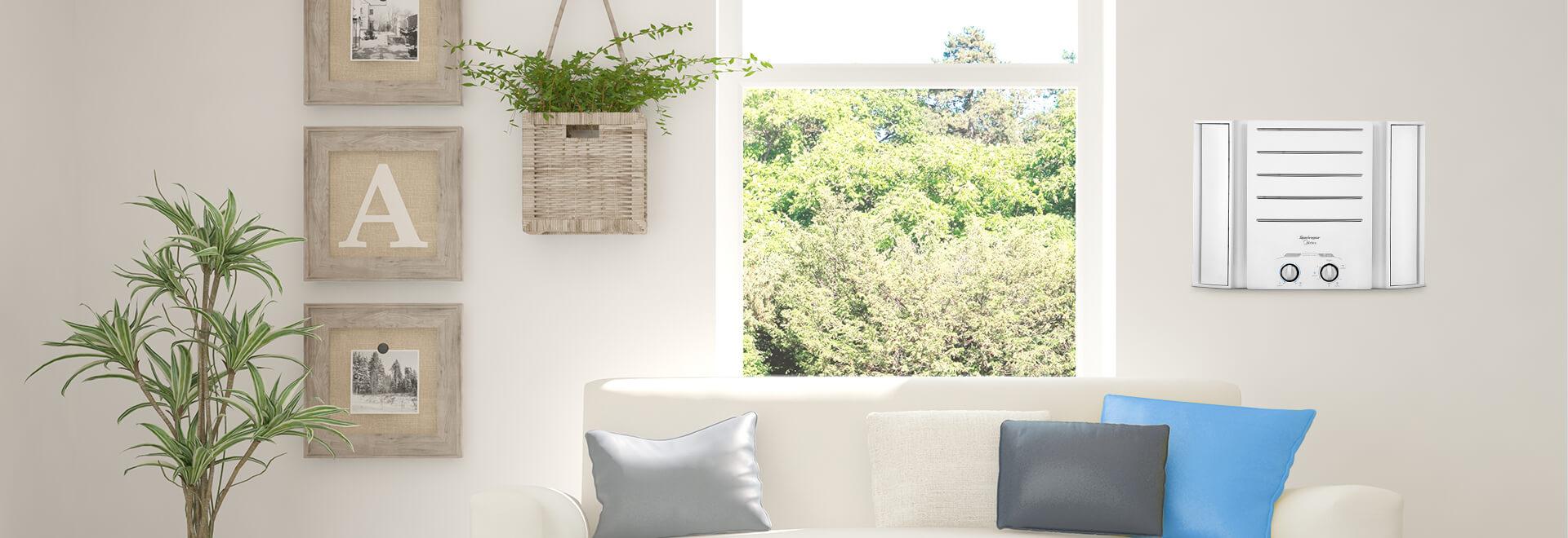 equipamento de ar-condicionado em sala com sofá e mesa