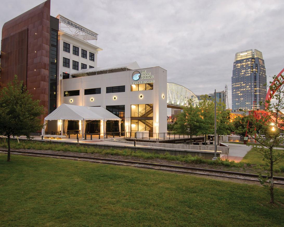 Bridge Building: Engenharia e Arquitetura Verde com classificação Platinum LEED Core e Shell