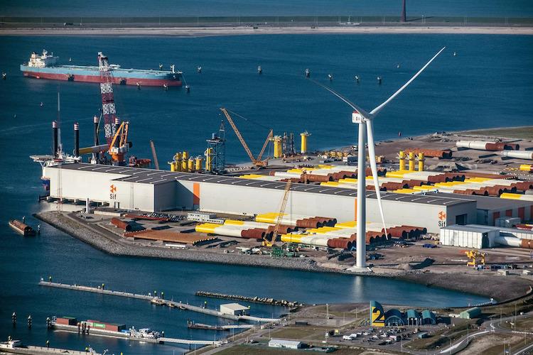 imagem ilustrativa de turbina eólica offshore