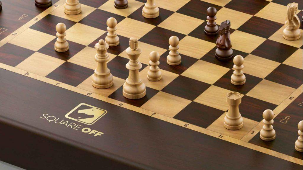 tecnologia Square-Off-Grand-Kingdom-Set-Smart-AI-Chessboard-02