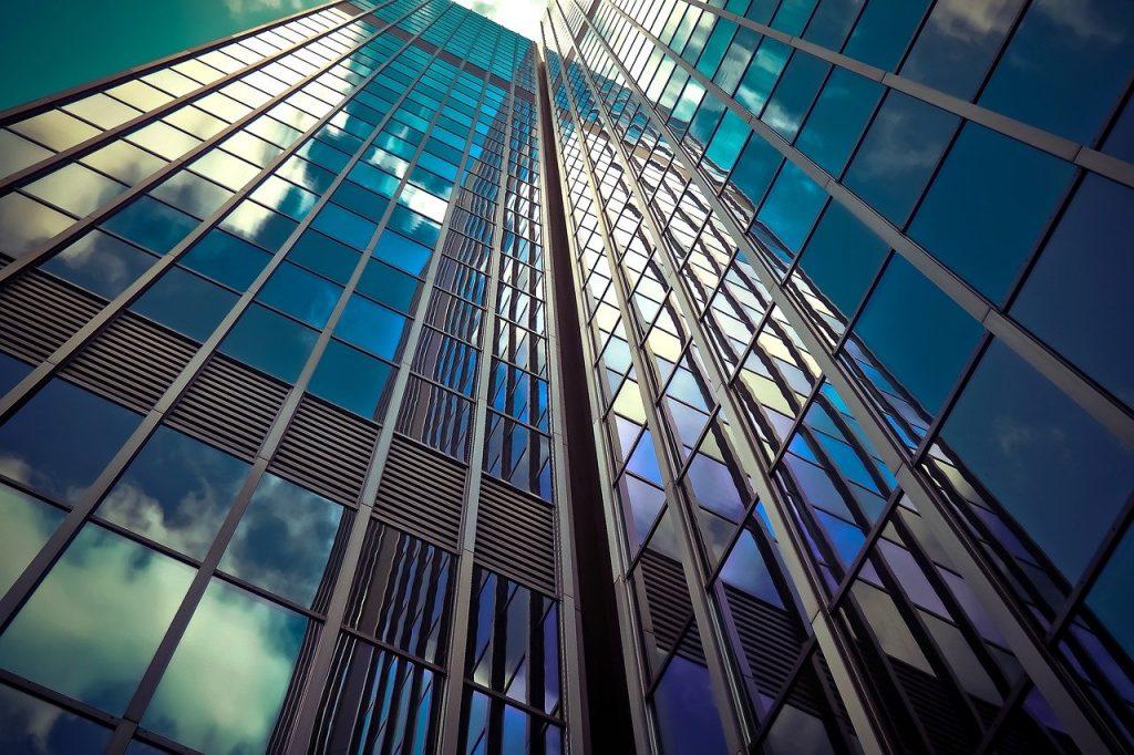 prédio espelhado