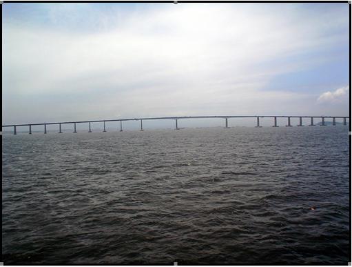 Vista geral do vão central da ponte