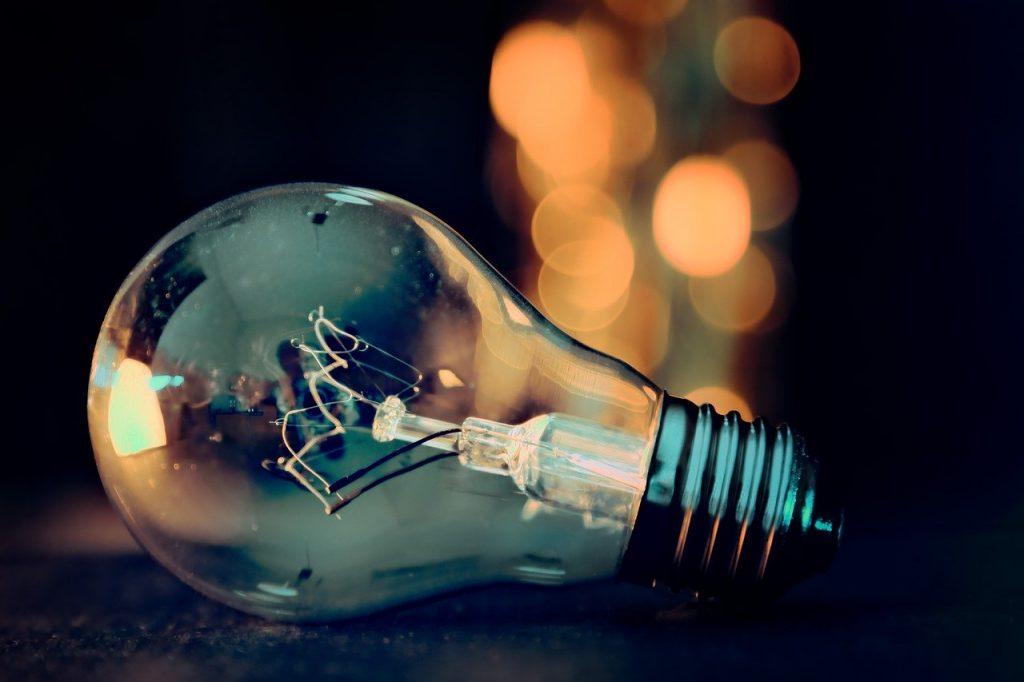 lâmpada feita de vidro