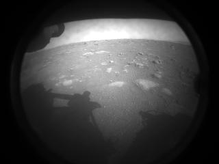 primeira imagem da sonda perseverance em marte