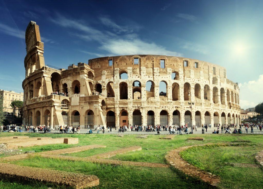 Foto da fachada do Coliseu de Roma