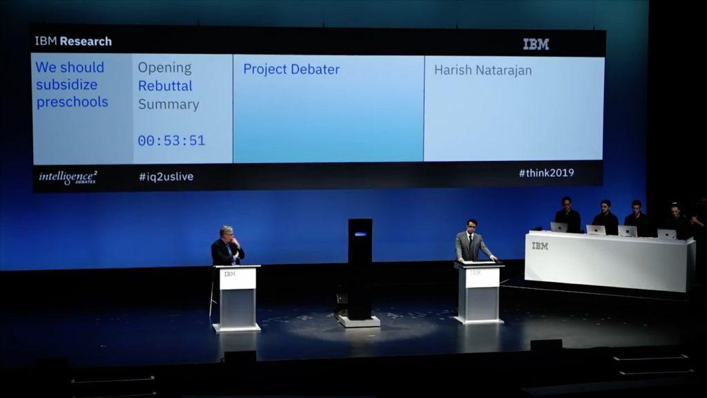 Demonstração do Project Debater em 2019. Fonte: IBM.