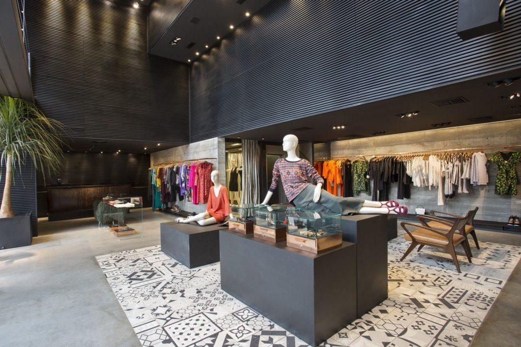 interior de loja representando arquitetura comercial