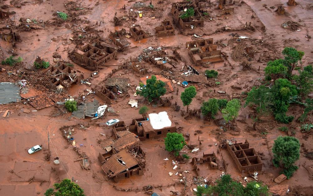 Desastre causado pela lama em Mariana - Imagem: Christophe Simon AFP