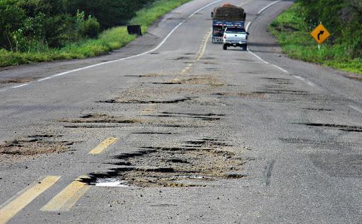 Rodovia danificada