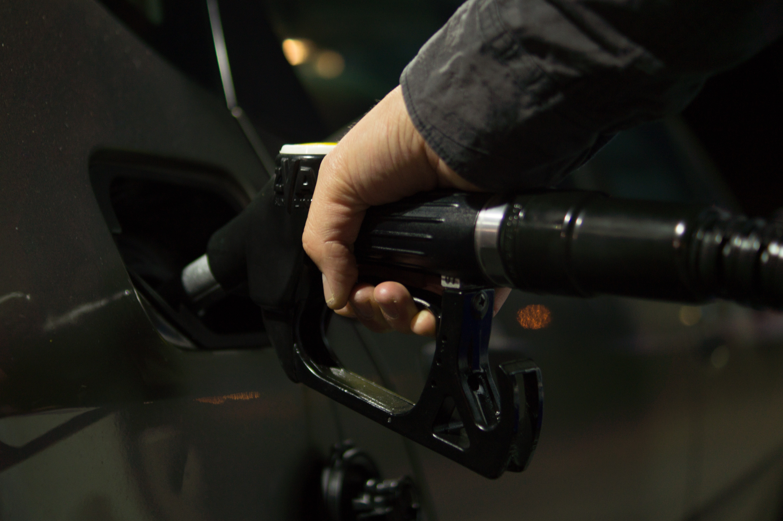 Como economizar combustível no dia a dia