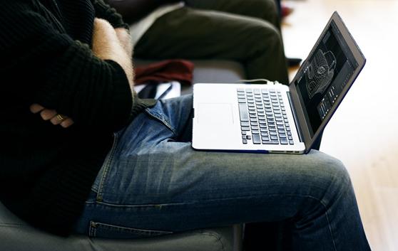Imagem: Unsplash.com / notebook para engenheiros